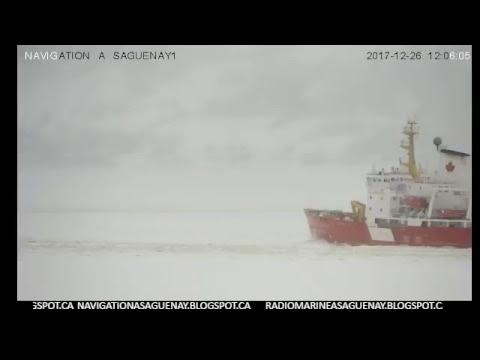 Déglacage du chenail pour entrer un navire au quaie de Port-Alfred le 26-12-2017