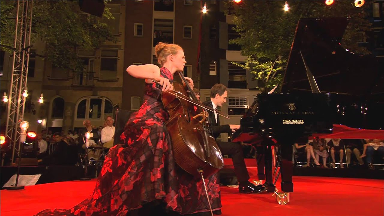 video: Harriet Krjigh plays Faure
