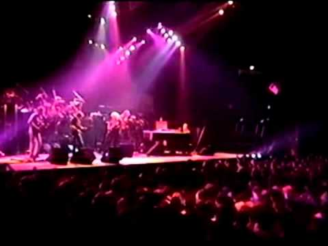 Sugar Magnolia (2 cam AUD) - Grateful Dead - 3-6-1992 Hampton Coliseum, Hampton, Va (set2-9)
