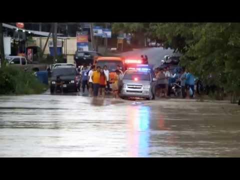 ฝนตกหลายชั่วโมง น้ำท่วมตลาดปลวกแดง จังหวัดระยอง