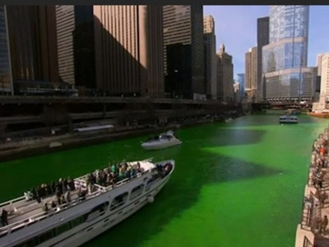 Raw: Thousands Watch Chicago River Turn Green