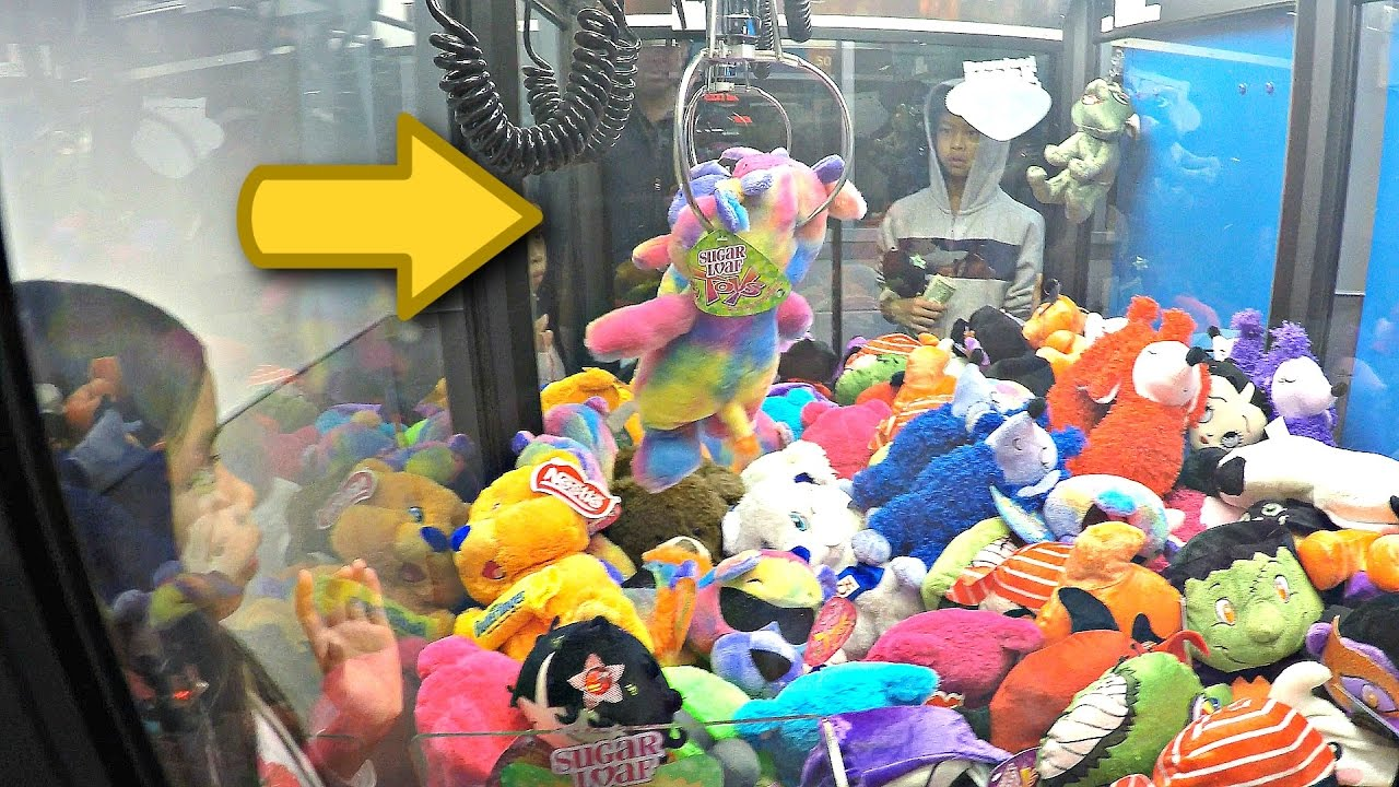 Winning Prizes At The Claw Machine: Toy Shoppe Skill Crane ...