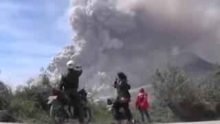 Mount Kelud Volcano  Erupts in Indonesia 02 13 2014 Thumbnail