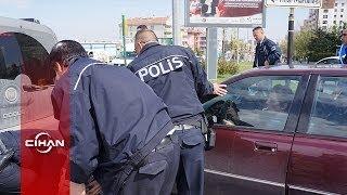 Polisin kapanla bile durduramadığı kadın sürücü, trafiği birbirine kattı