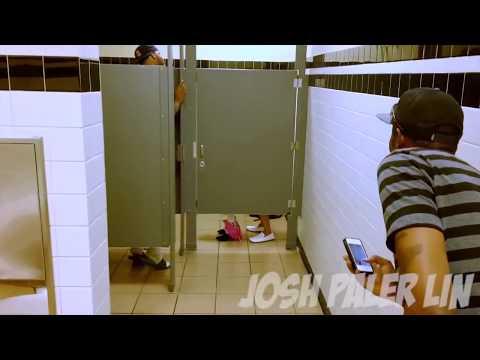Секс в общем туалете фото