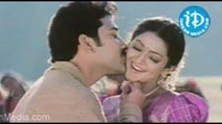 Aade Pade Song - Sankranthi Movie | Venkatesh | Aarti Agarwal | Sneha