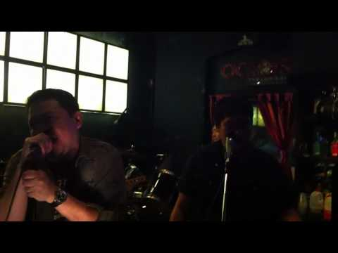 slither velvet revolver cover by pretty scar (Rock in actors bar 2011)