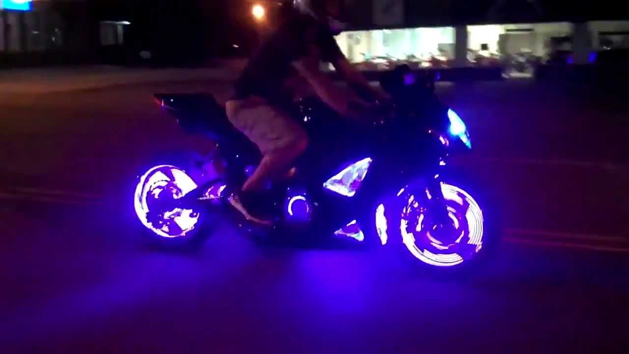 Luces leds para autos y motos youtube for Luces led para jardineras
