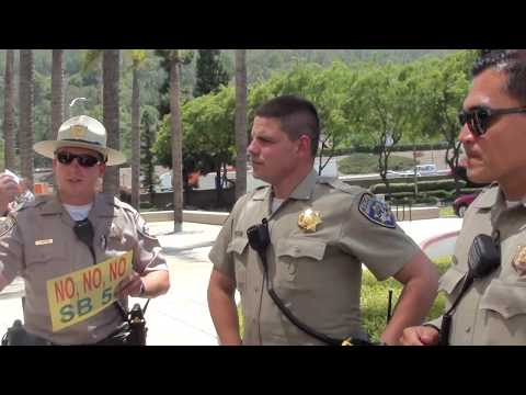 Assemblyman Staff CALL OFFICERS Block-In Citizen's Car: 4 CHP Officers ARRIVE!