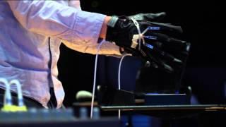"Ray Li demonstrates ""The Aura"""
