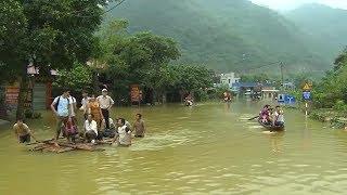 Tin Tức 24h Mới Nhất : Hòa Bình Ngã 3 Tòng Đậu ngập sâu, người dân đi lại khó khăn