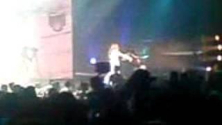 Anna Vissi - Apo makria kai agapimenoi (Remix) Live @ Athinon Arena 08-01-10