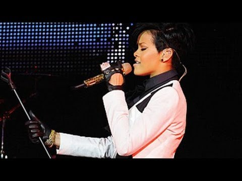 Rihanna Smacks A Fan On Face With The Mic At Her Birmingham - Diamonds Tour 2013
