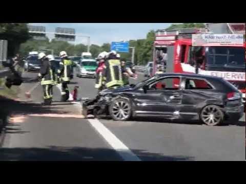 Neuss: Schwerer Verkehrsunfall auf der A46 - 7 Verletzte