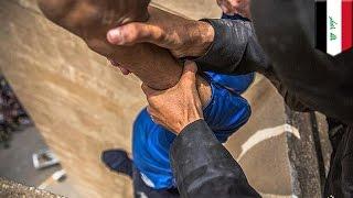 ISIS: mężczyźni oskarżeni o homoseksualizm zrzuceni publicznie z dachu budynku