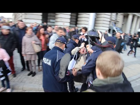 Policja rozmontowuje blokadę Antify - 83. Rocznica ONR 29.04.2017