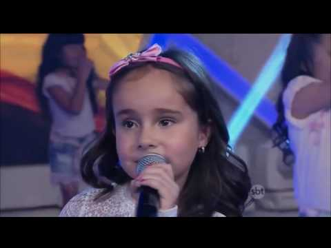 Primeira vez da Sienna Belle no programa Raúl Gil cantando Love Me Like You