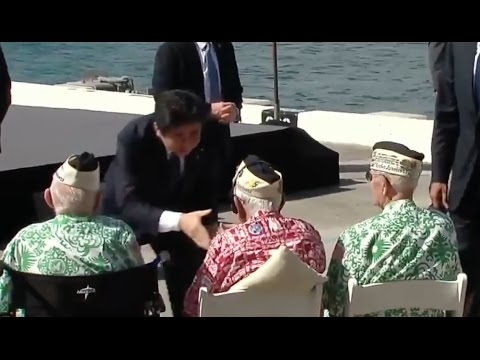 Japanese Prime Minister Shakes Hands Of WWII Vets At Pearl Harbor