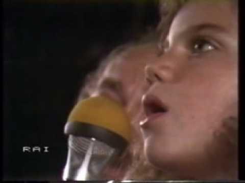 nikka-costa-on-my-ownfestival-bar-1981-alex-the-panz
