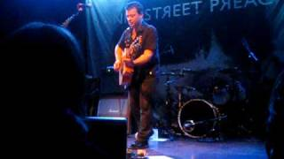 Manic Street Preachers - James acoustic Masses Against The Classes (World Cafe Live 10/6/09)