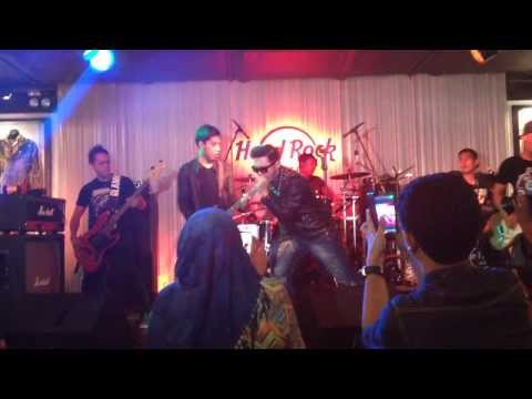 Five Minutes Galau - Hard Rock Cafe Kuala Lumpur 23 Oct 2013