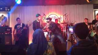 Video Five Minutes Galau - Hard Rock Cafe Kuala Lumpur 23 Oct 2013 download MP3, 3GP, MP4, WEBM, AVI, FLV Maret 2018