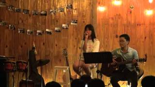 """Chậm lại một phút - Chin Chin [Đêm nhạc """"Yêu em"""" - Xương Rồng Coffee & Acoustic]"""
