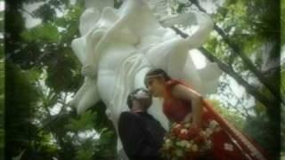 """Sinhala song """"HEENAYAKDA ME"""""""