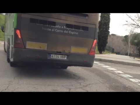 Bus del Grupo Avanza nada mas pasar la ITV