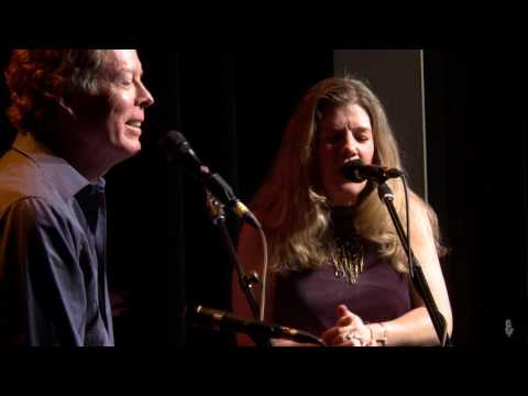 eTown On-Stage Interview - Dar Williams