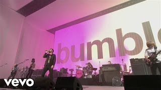 Kasabian - bumblebeee (Live)(Summer Solstice 2014) [Xperia Access]