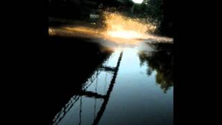 Sprung von der Bahnbrücke in Schwaan an der Warnow