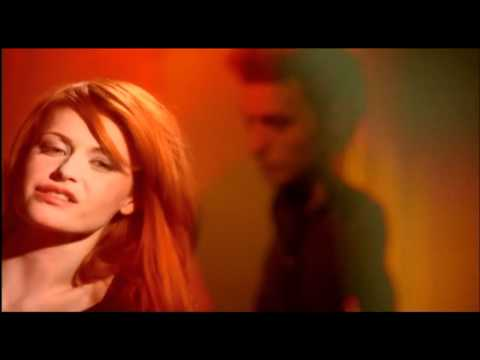 Axelle Red  A tatons Clip Officiel