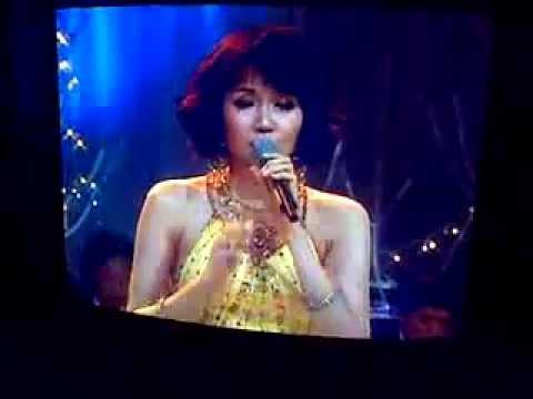 "ALENA Wu singing live ""Christmas Song"" @ TVRI 2012 NATAL"