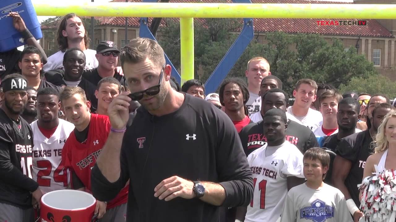 Kliff Kingsbury and Texas Tech go big, nominate Beyonce for