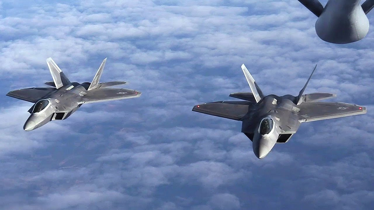Risultati immagini per f-22 aerial refueling