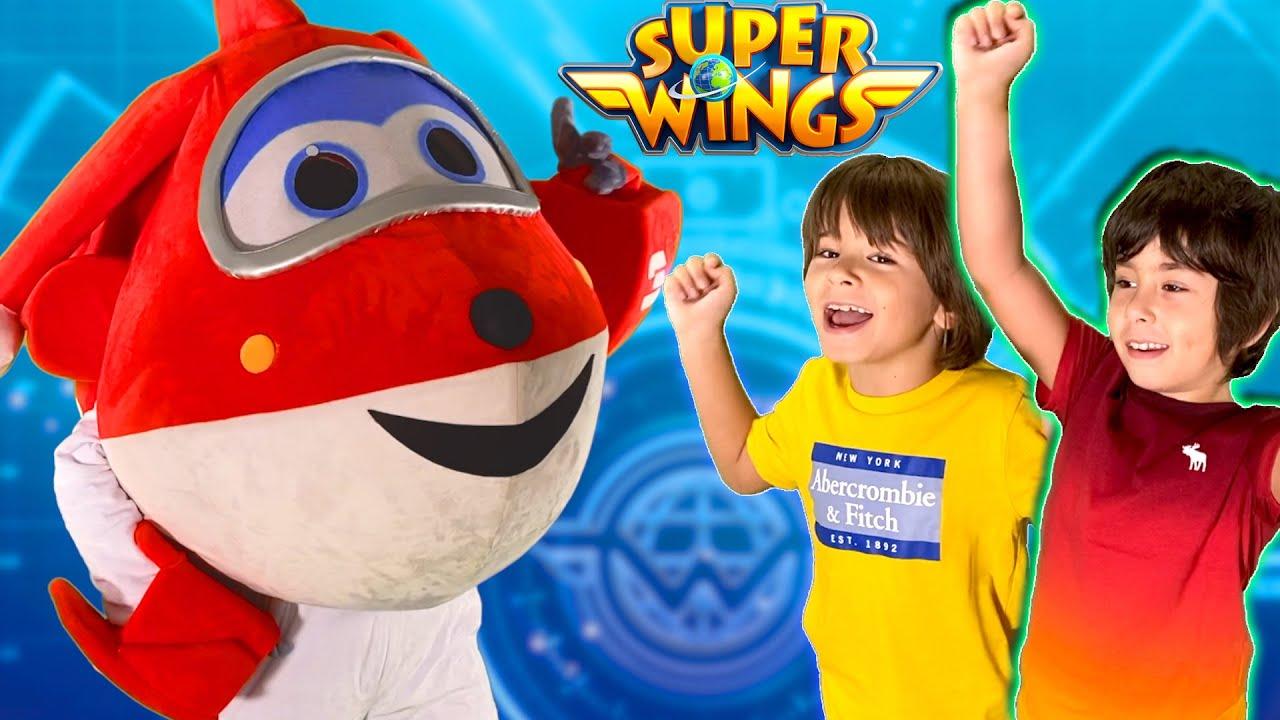 Los SUPER WINGS suben a Dani y Evan al PORTAAVIONES MUNDIAL!!