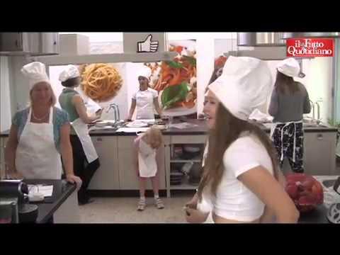 Idee giovani a roma nasce onedaychef una scuola di cucina per turisti youtube - Scuola di cucina roma ...
