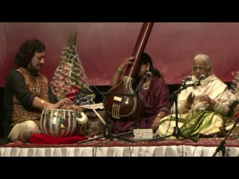Babul mora by Dr. Girija Devi at SUR Festival 2014 with Pt. Kumar Bose and Pt. Dharamnath Mishra.