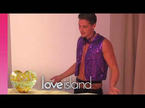 Alex and Alexandra Take Their Role Play Into the Hideaway | Love Island 2018