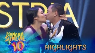Banana Sundae: Ritz kisses Jobert as they receive the 'Best Kiss' award