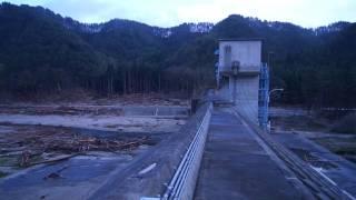 tunami iwate Hudai seawall津波後の普代村防潮堤の上から撮影した動画