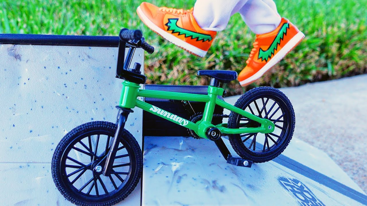 BMX Finger at the Skate Park   Unboxing Tech Deck Starter Kit   Green Bmx Sunday  Mini Nike Sneakers