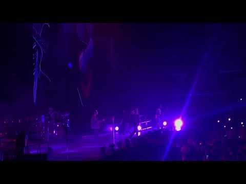 So Far Away - Avenged Sevenfold (live Fargo, ND at the Fargo Dome)