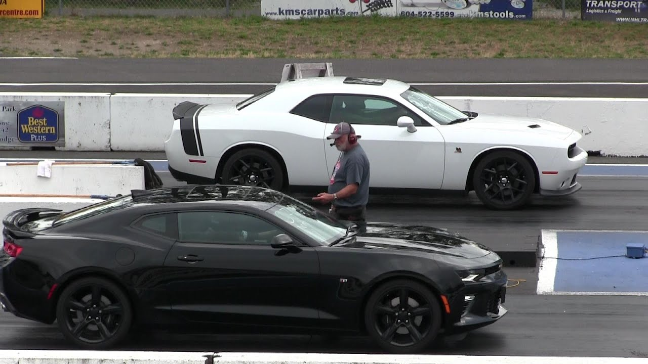 Challenger Scat Pack >> New 2016 Camaro SS vs 2015 Scat Pack Dodge Challenger-1/4 mile drag race - YouTube
