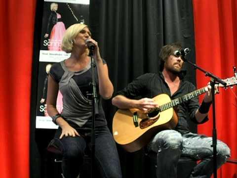 Sanna Nielsen - Can't Stop Love Tonight (Live Åhléns City 5/3/2011)