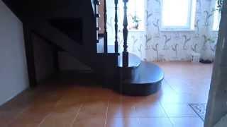 Деревянная лестница на второй этаж из ясеня от lestnica100.ru(Эта лестница из ясеня на второй этаж изготовлена для частного дома в Наро-Фоминске Московской области...., 2014-12-11T22:10:47.000Z)