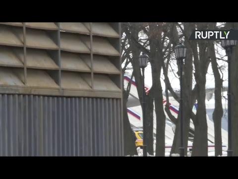 Прибытие российских дипломатов в Москву