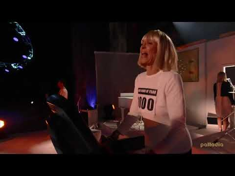 Sia - Chandelier (Live at SoundClash 2014)