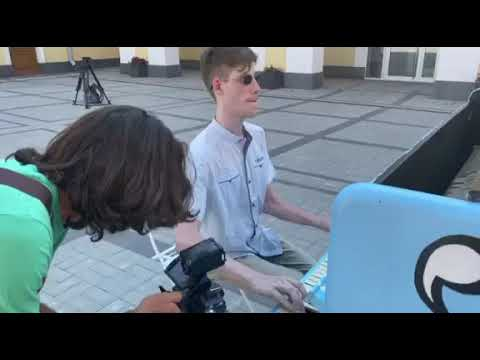 Телеканал Simon: На харьковских улицах появились музыкальные арт-объекты